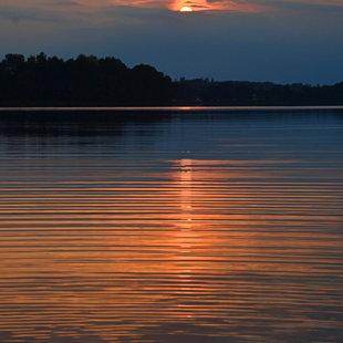 Raiskuma ezers. Augusta vakars